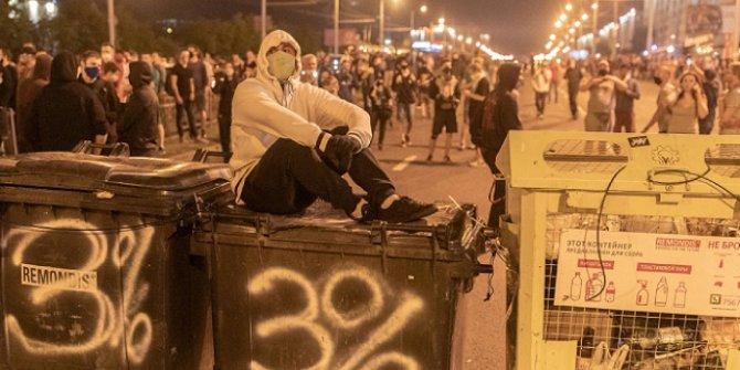 Belarus'taki gösterilerde 700 kişi daha gözaltına alındı