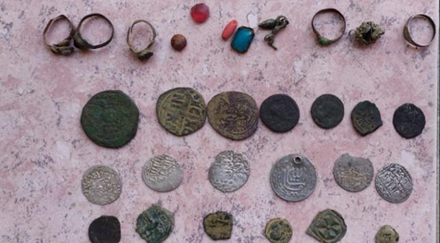 İzmir ve Manisa'da 70 bin parça tarihi eser ele geçirildi
