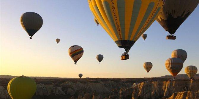 Ukraynalı turistlere Kapodokya'daki balon turlarında şartlı izin