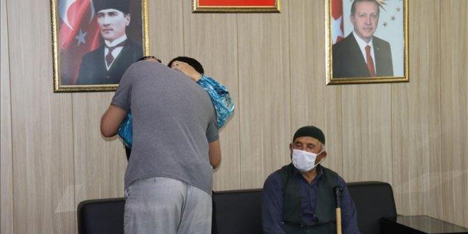 Mardin'de güvenlik güçlerinin ikna çalışması sonucu 1 aile daha evladına kavuştu