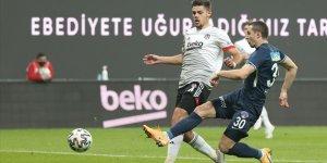 Beşiktaş sahasında Kasımpaşa'yı 3-0 yendi