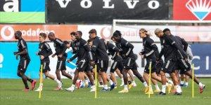 Beşiktaş derbi maçın hazırlıklarını tamamladı