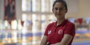 Milli yüzücü Beril Böcekler, 400 metre serbestte olimpiyat A barajını geçti