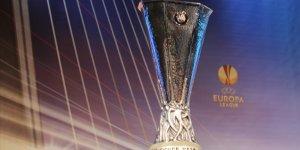 Ajax ve Arsenal son 16 turuna kaldı