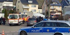 Türk aile evlerinde ölü bulundu