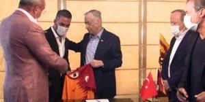 Galibiyetin ardından Başkan Cengiz'den Arda Turan'a telefon