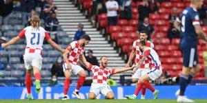 Hırvatistan 3 golle turladı