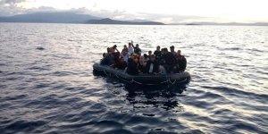 Fransız donanması 126 düzensiz göçmeni kurtardı