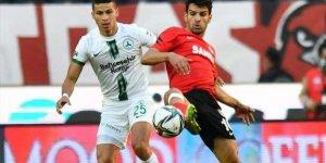 Gaziantep FK puanı 90+2'de kurtardı!