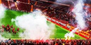 Galatasaray'dan derbi öncesi 10 bin kişiyle idman!