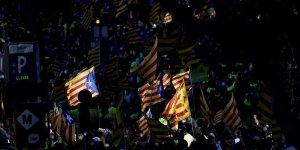 Anayasa Mahkemesi 'İspanya'dan ayrılma yasasını' askıya aldı