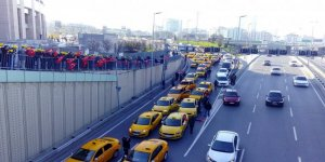İstanbul'daki Taksicilerin Uber eylemini CHP destekledi