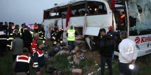 Konya'da yolcu otobüsü şarampole indi: 18 yaralı