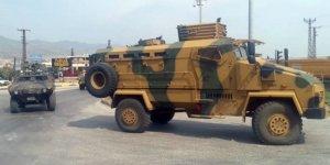 Hakkari'de askeri araç devrildi: 17 yaralı