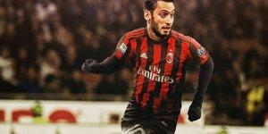 Hakan Çalhanoğlu, Milan'a galibiyeti getirdi