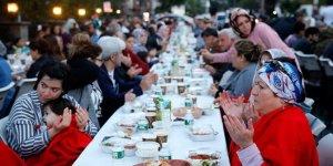 ABD'de Müslümanlar sokak iftarında bir araya geldi