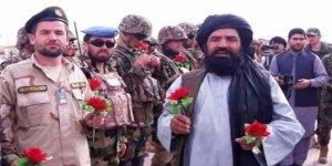 Tarihi anlar! Taliban çiçeklerle Kabil'de