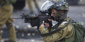İsrail Gazze sınırında bir Filistinliyi şehit etti