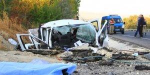 İşçilerini taşıyan kamyonet kaza yaptı!