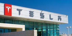 iPhone'a savaş başladı! Tesla  akıllı telefonuyla geliyor