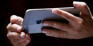 ABD'de iki öğrenci sahte telefonlarla Apple'ı kandırdı