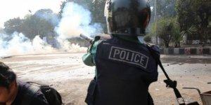 Bangladeş'te öğrencilerin protestosu sürüyor