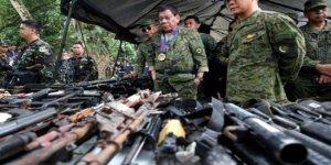 Filipinler'de komünistlerle çatışma