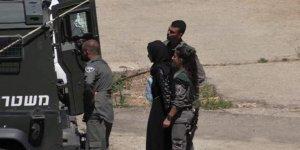 İkisi kadın 28 Filistinliyi gözaltına aldı!
