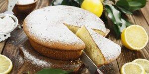 Evlerinizde misafirlere hazırlayacağınız nefis limonlu kek tarifi..