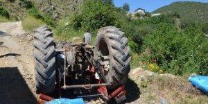 Bursa'da traktör şarampole devrildi... 1 ölü 1 yaralı!
