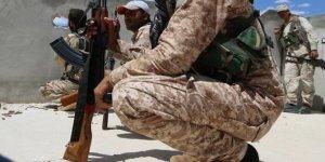 Esed'e karşı 70 bin ılımlı muhalif İdlib'i savunuyor...