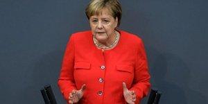 Merkel: Yahudiler ve Müslümanlar toplumumuza aittir