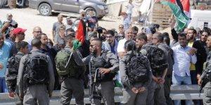 İsrail 3 Filistinli ile 1 Fransız aktivisti gözaltına aldı!