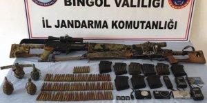 Bingöl'de terör operasyonu! Silah, bomba ve yaşam malzemesi ele geçirildi!