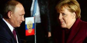 Putin ile Merkel  Suriye için görüştü!
