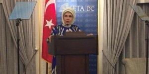 """Emine Erdoğan:  """"Bir mum, diğer mumu tutuşturmakla ışığından bir şey kaybetmez"""""""
