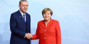 Erdoğan ve Merkel görüşmesi başladı