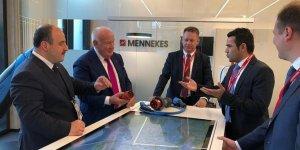 Bakan Varank Alman Mennekes'i ziyaret etti