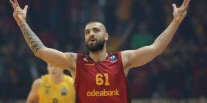 """Milli basketbolcu Köksal:  """"Avrupa'nın en büyük takımlarını onların desteği ile yendik""""!"""