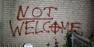 Almanya'da camiye ırkçılık içerikli saldırı
