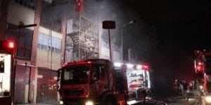 Bayrampaşa'da yangın! Çok sayıda itfaiye ekibi müdahale etti