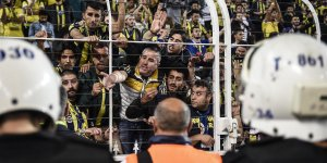Kadıköy'de tepkiler Cocu'ya! Taraftarlar isyan etti!