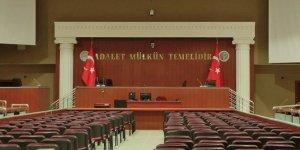 Eski cumhuriyet savcısı Karabidek'e 8 yıl 9 ay hapis