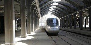 Mekke-Medine arası hızlı tren seferleri açıldı