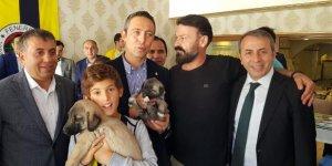 Ali Koç'a kangal köpeği hediyesi!