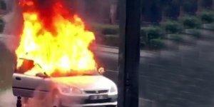 Ankara'da seyir halindeki araç alev alev yandı
