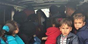 İzmir'de Irak uyruklu oldukları öğrenilen 32 göçmen yakalandı!