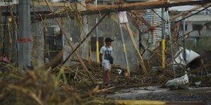 Filipinler'in kuzey kesimini etkisi altına alan Yutu tayfunu 22 can aldı!