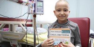 Lösemili çocuklar hastanede eğitim alıyor...