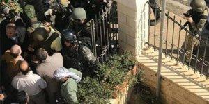 İsrail'den Kudüs valiliğine baskın!
